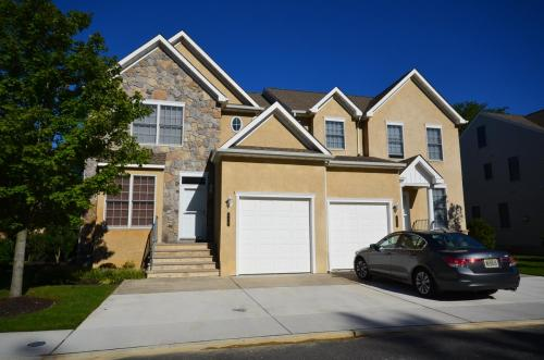 townhomes-of-linwood-court 7974306412 o