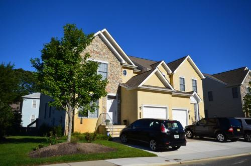 townhomes-of-linwood-court 7974306588 o